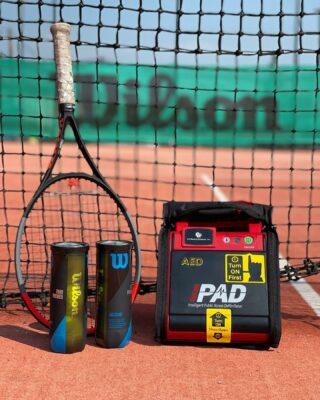 🆘Με Αυτόματο Εξωτερικό Απινιδωτή εξοπλίζεται η Les Raquettes Tennis Academy !  ☑️Στην αγορά Αυτόματου Απινιδωτή προχώρησε η Les Raquettes Tennis Academy, με στόχο τη σωστή και έγκαιρη αντιμετώπιση  επειγόντων και απειλητικών για τη ζωή καταστάσεων ! #defibrillator #savelife #savelifes #lesraquettes #lesraquettestennisacademy #tennisacademy #tennisclub #tennisschool #school #tennis #tennislife #tennislove #skg #greece #thessaloniki #thermi