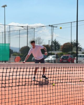 ⭐️𝘐𝘧 𝘪𝘵 𝘥𝘰𝘦𝘴𝘯'𝘵 𝘤𝘩𝘢𝘭𝘭𝘦𝘯𝘨𝘦 𝘺𝘰𝘶, 𝘪𝘵 𝘥𝘰𝘦𝘴𝘯'𝘵 𝘤𝘩𝘢𝘯𝘨𝘦 𝘺𝘰𝘶 ! #playtennis #tennislove #tennislife #tennisplayer #tenniskids #tennisadults #tenniscourt #lesraquettes #tennisacademy #skg #thessaloniki