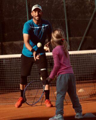 𝘊𝘰𝘢𝘤𝘩𝘪𝘯𝘨 𝘪𝘴 𝘵𝘩𝘦 𝘶𝘯𝘪𝘷𝘦𝘳𝘴𝘢𝘭 𝘭𝘢𝘯𝘨𝘶𝘢𝘨𝘦 𝘰𝘧 𝘤𝘩𝘢𝘯𝘨𝘦 𝘢𝘯𝘥 𝘭𝘦𝘢𝘳𝘯𝘪𝘯𝘨 !  #tenniskids #coach #coaching #tennisacademy #tennislife #skg #greece #thessaloniki #tennislove #tennislessons #learning #change #lesraquettes #passion #tennistime