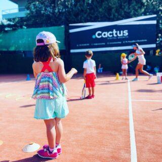 𝘛𝘩𝘦𝘳𝘦'𝘴 𝘫𝘶𝘴𝘵 𝘢 𝘭𝘰𝘵 𝘰𝘧 𝘨𝘰𝘰𝘥 𝘬𝘢𝘳𝘮𝘢 𝘨𝘰𝘪𝘯𝘨 𝘢𝘳𝘰𝘶𝘯𝘥 ! ✅ #tenniskids #tennisacademy #tennisplayer #tennislove #academia #lesraquettes #lesraquettestennisacademy #lesraquettestennisclub #tennistime #skg #greece #thessaloniki #goodkarma