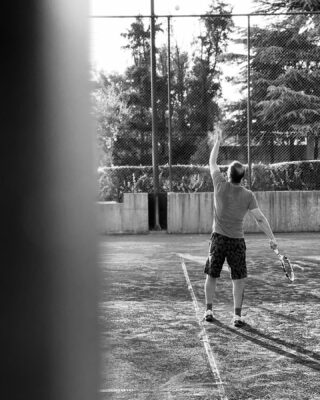 𝘗𝘭𝘢𝘺 𝘭𝘪𝘬𝘦 𝘢 𝘤𝘩𝘢𝘮𝘱𝘪𝘰𝘯 𝘵𝘰𝘥𝘢𝘺 ! 🥇 #lesraquettes #lesraquettestennisacademy #lesraquettestennisclub #play #playlikeachampion #feelit #loveit #sport #tennis #skg #greece #thessaloniki #tennisserve #blackandwhite #blackandwhitephotography