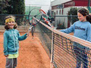 𝐖𝐢𝐧 𝐨𝐫 𝐥𝐨𝐬𝐞 𝐝𝐨 𝐢𝐭 𝐟𝐚𝐢𝐫𝐥𝐲 ! 𝐉𝐮𝐬𝐭 𝐬𝐦𝐢𝐥𝐞.. 😀 #sunday #tennisacademy #doitfairly #justsmile #tenniskids #lesraquettestennisacademy #tennistime #tennis #tennisworld #fairplay #tennisathlete #tennisskg #tennisthessaloniki #joinus