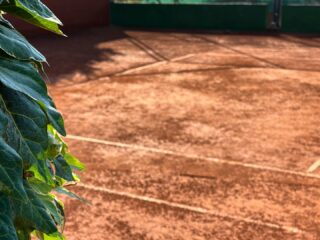 𝘚𝘵𝘢𝘳𝘵 𝘸𝘩𝘦𝘳𝘦 𝘺𝘰𝘶 𝘢𝘳𝘦. 𝘜𝘴𝘦 𝘸𝘩𝘢𝘵 𝘺𝘰𝘶 𝘩𝘢𝘷𝘦. 𝘋𝘰 𝘸𝘩𝘢𝘵 𝘺𝘰𝘶 𝘤𝘢𝘯 !  G🎾🎾D  M🎾RNING #tennisday #tennislife #tennisquotes #tennisclub #tennisacademy #claycourt #tenniscourt #skg #greece #thessaloniki #nature #amazingday #motivation #tennis #springtime #outdoor #outdoortennis #joinus #iamatlesraquettes #play #playandhavefun