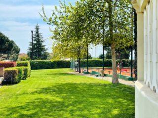 𝘚𝘮𝘪𝘭𝘦 , 𝘉𝘳𝘦𝘢𝘵𝘩 𝘢𝘯𝘥 𝘗𝘭𝘢𝘺 𝘵𝘦𝘯𝘯𝘪𝘴 ! 🌿🧿 #springtime #tennis #greenbeauty #green #claycourt #ourgarden #ourplace #keepcalm #breath #totalgreen #greece #skg #thessaloniki #thermi #tennisclub #playtennis