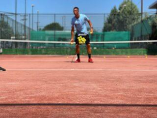 𝘈𝘳𝘦 𝘺𝘰𝘶 𝘳𝘦𝘢𝘥𝘺 ? ☄️ #training #trainingtime #tennis #tennistraining #tennisplayer #tenniscourt #tenniscoach #tennislove #tennistime #tennislessons #lessons #lesraquettes #lesraquettestennisacademy #lesraquettestennisclub #skg #greece #thessaloniki
