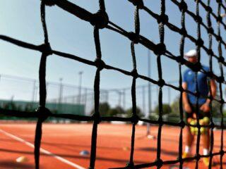 𝘔𝘺 𝘵𝘦𝘯𝘯𝘪𝘴 , 𝘮𝘺 𝘤𝘢𝘱𝘵𝘪𝘰𝘯 ! 📸 #caption #tennisnet #tenniscoach #tennislove #lesraquettes #lesraquettestennisacademy #tennisacademy #tennislove #skg #greece #summer