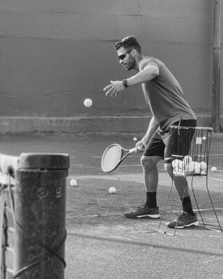 ▪️▫️𝘞𝘩𝘦𝘯 𝘵𝘩𝘦 𝘴𝘵𝘶𝘥𝘦𝘯𝘵 𝘪𝘴 𝘳𝘦𝘢𝘥𝘺 , 𝘵𝘩𝘦 𝘵𝘦𝘢𝘤𝘩𝘦𝘳 𝘸𝘪𝘭𝘭 𝘢𝘱𝘱𝘦𝘢𝘳 !  #tennis #tenniscoach #lesraquettes #lesraquettestennisacademy #lesraquettestennisclub #practice #training #tennislove #tennisaddict #coaching